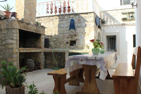 Stone house Una - Kukljica