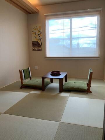 A Brand new B&B private room/新築の宿 個室&共同浴室 駅近 3