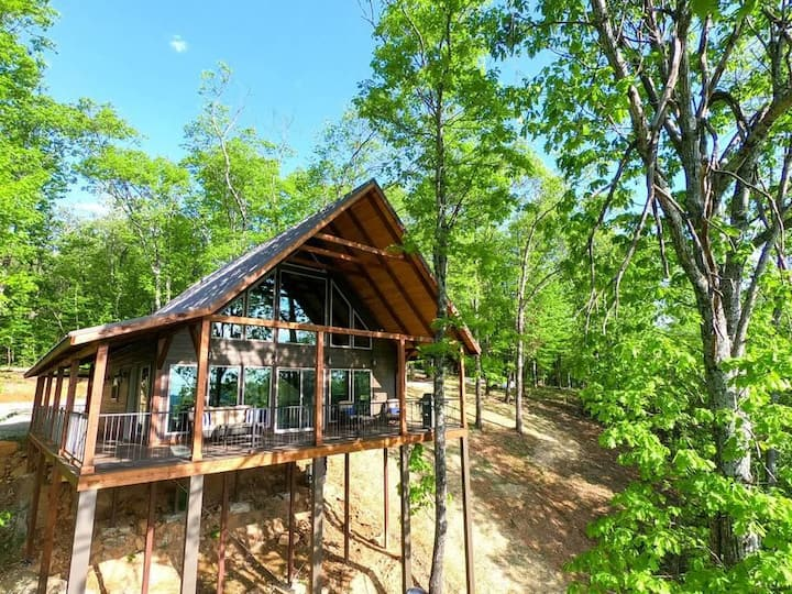 Stunning, Luxurious Treetop Cabin - Red Rock Vista