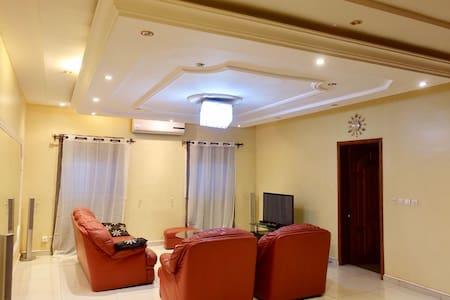 Luxueux Appartement 5 étoiles avec wifi Haut debit