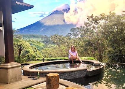 Luxury House in La Reunion Golf - Antigua Guatemala