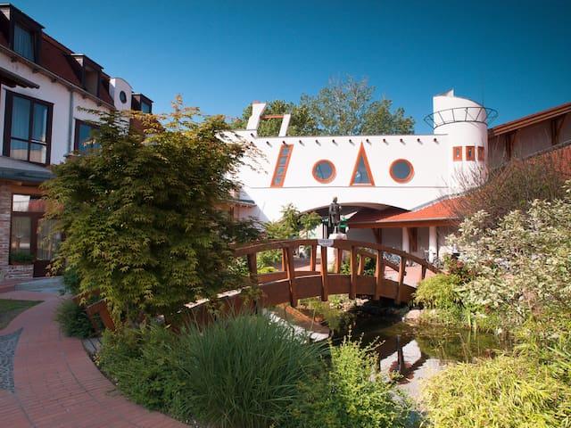 Aqua Hotel Kistelek wellness és nyugalom - Kistelek - Bed & Breakfast