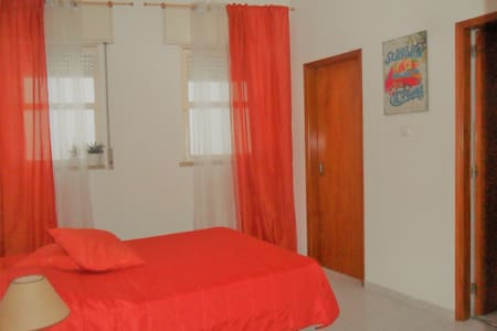 Your Renovated double room in the City Centre - Lagos