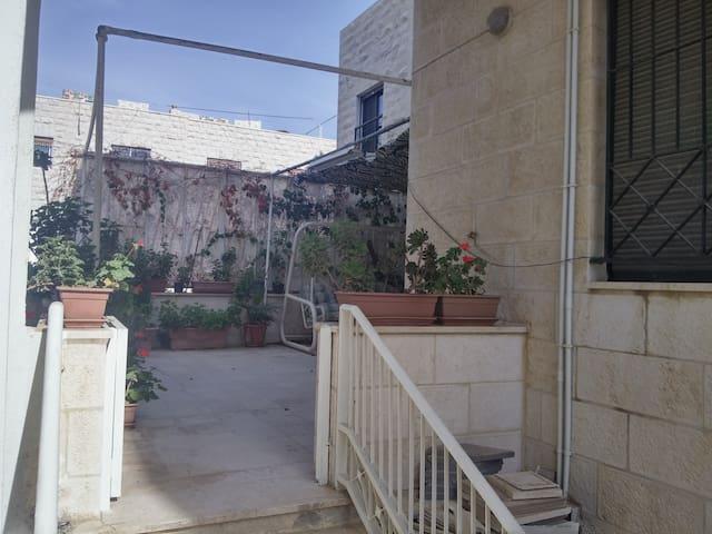 2BR apartment in Shemisani - Aman - Apartamento