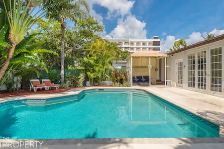 NEW & Central Beach Style 1/1 Villa w Pool & BBQ