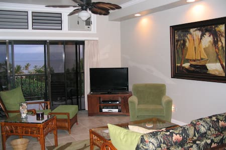 REMODELED WITH OCEAN VIEWS-5 MIN WALK TO BEACH - Lahaina