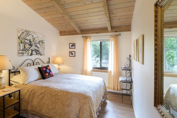 The Pajarito House- Sage Private Room