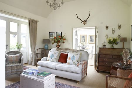 As featured in 25 Beautiful Homes - Cottage for 2 - Haconby