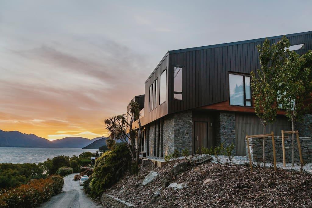 430 sq metre architecturally designed home