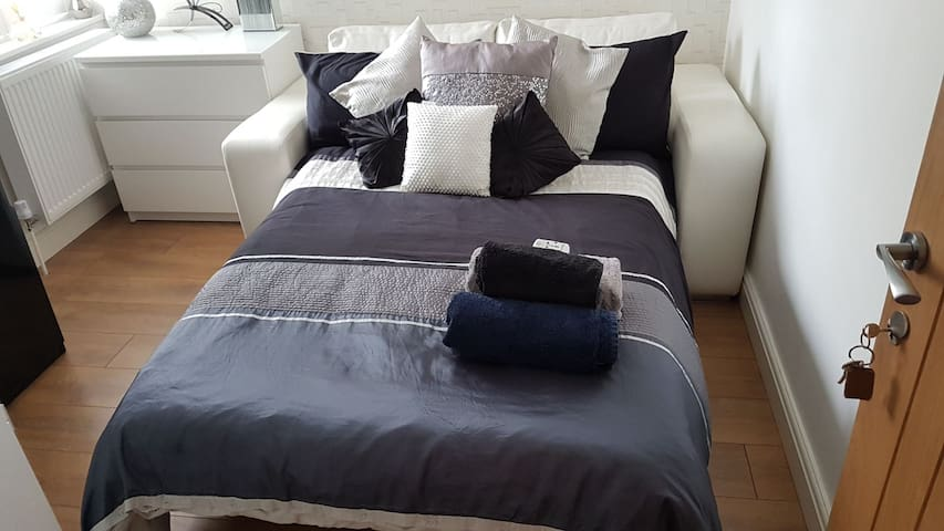 Beautiful modern double room in east London