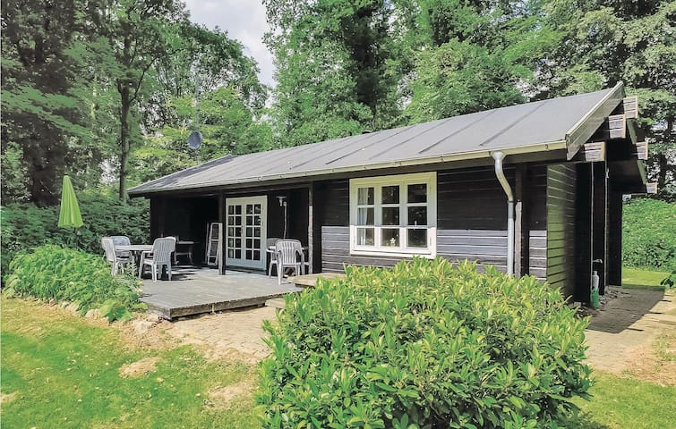 Holiday cottage with 2 bedrooms on 65m² in Kruså