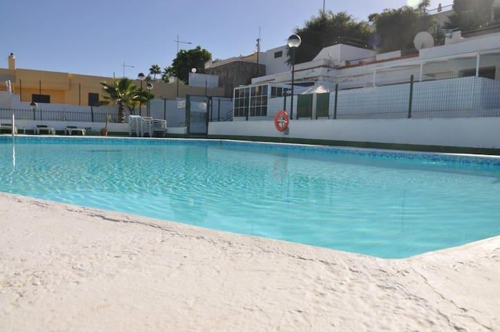Playa o piscina, tú eliges donde relajarte - Mogán - Apartamento