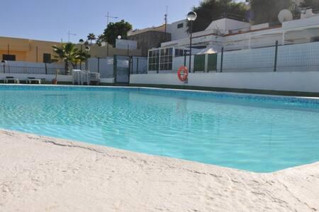 Playa o piscina, tú eliges donde relajarte - Mogán - Appartement