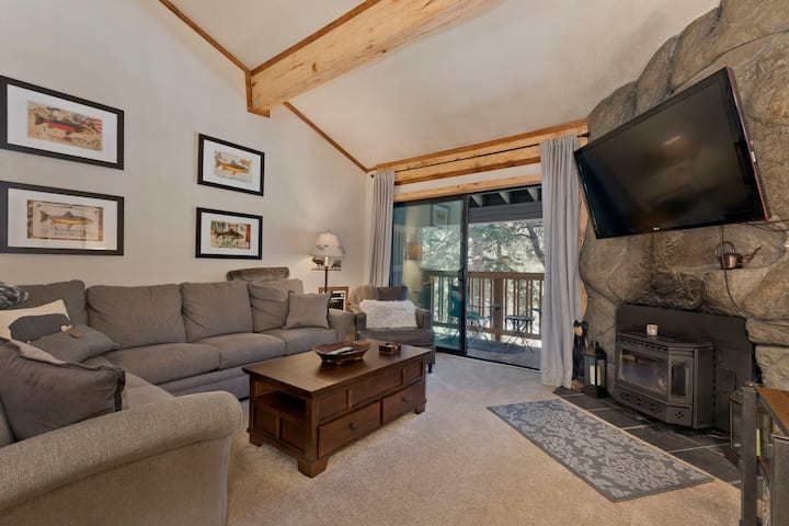 Cute 3bd/2bth with 2 KING beds! WALK to ski lifts!