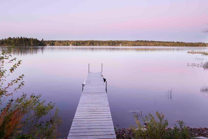 Stunning Property on Lakeside
