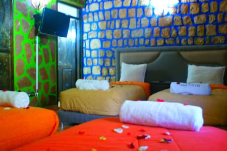 Chambre Familiale en B&B et piscine - Asni - Bed & Breakfast