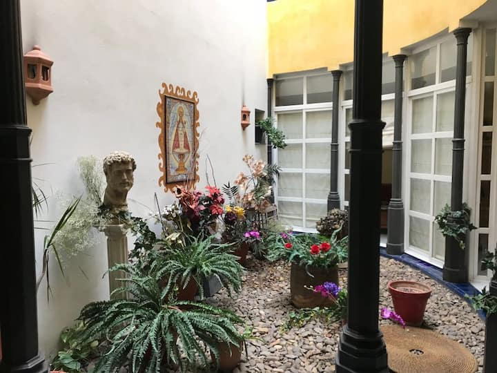 Double room in a lovely Spanish house