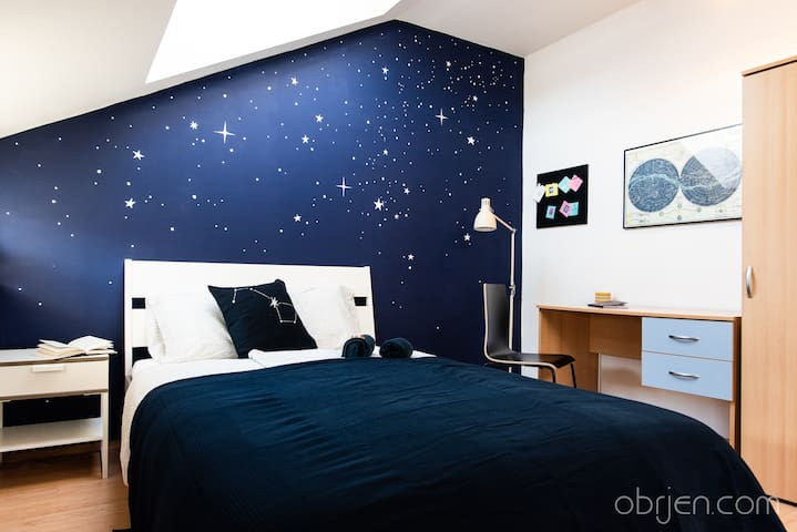 Night Sky Studio near historical center of Brno