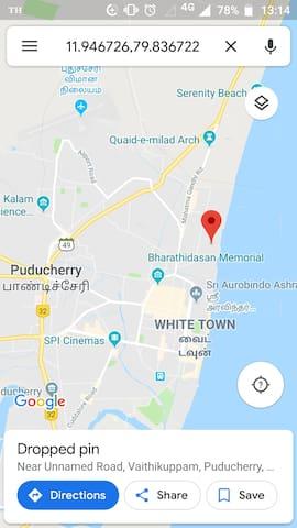 Distances by bike: Pondy rock beach 5mn Aurobindo ashram 6mn Railway 12-15mn