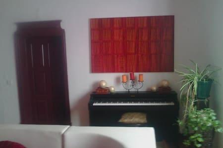 Good Mood Hostel - Évora - Apartment