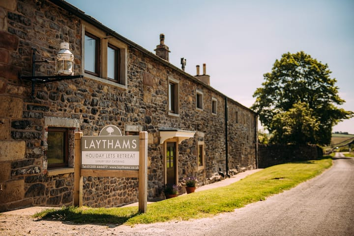 The Farmhouse - Laythams Holiday Lets Retreat