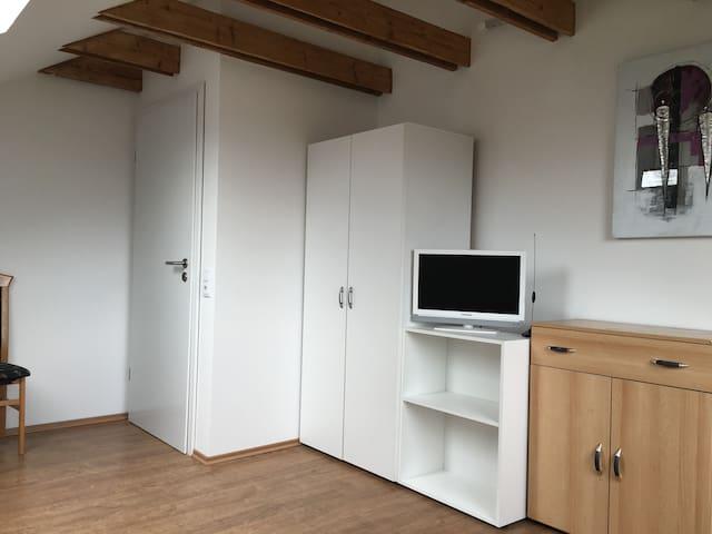 Ruhiges und gemütliches Dachgeschoßzimmer - Colonia - Casa