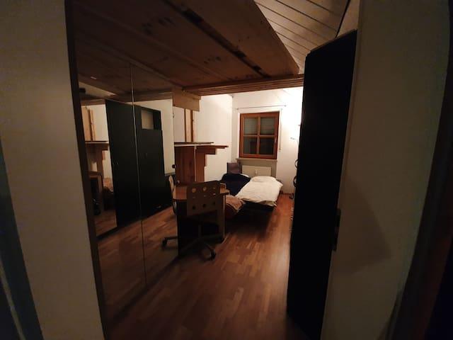 Modernes Gästezimmer in SBahn Nähe