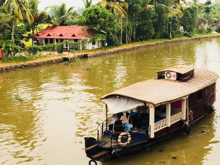 Tranquildays Tours..Houseboats and Shikkara Rides!