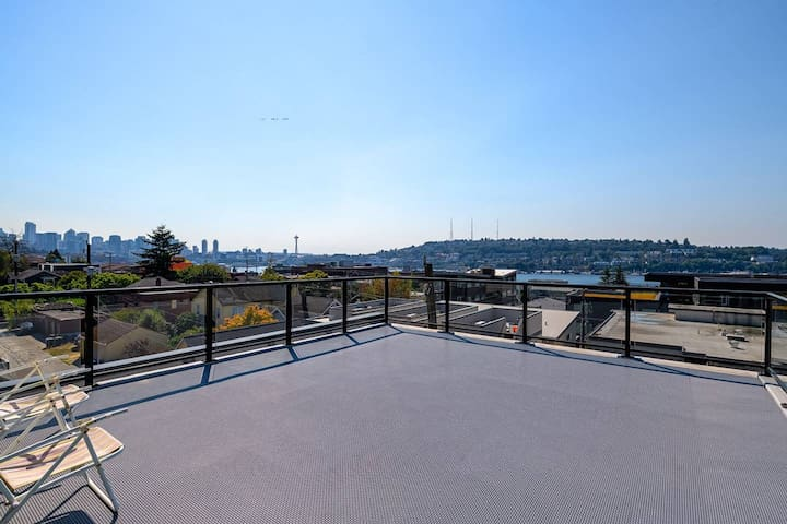 A-Seattle Urban Village- Guemes-Roof top view deck