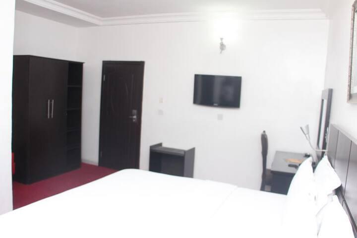 Bjorne Suites - Executive Room