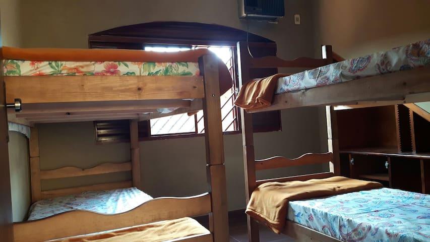 Hostel Orla Morena - Dormitório 4 camas