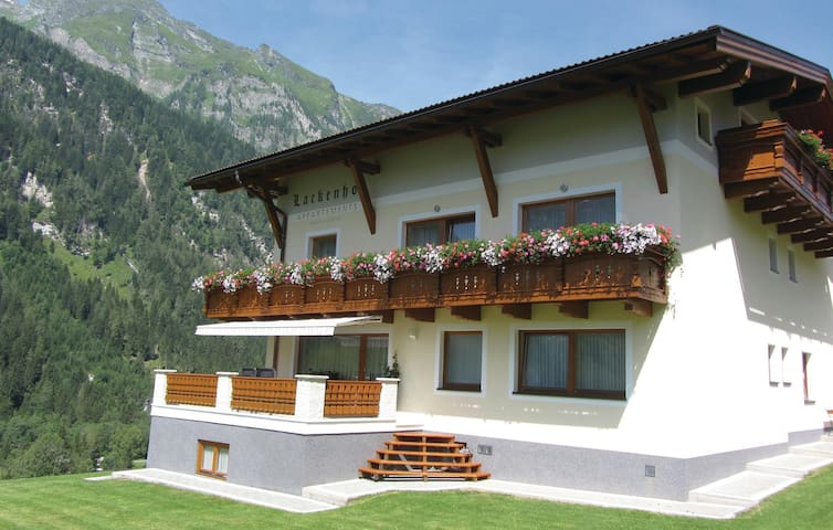 Holiday apartment with 2 bedrooms on 52m² in Rauris