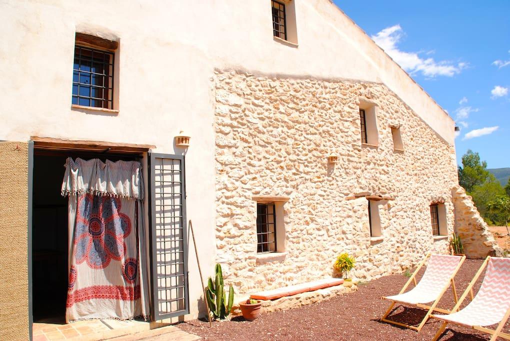 Mas a rural con piscina casas de campo en alquiler en for Casas rurales con piscina comunidad valenciana