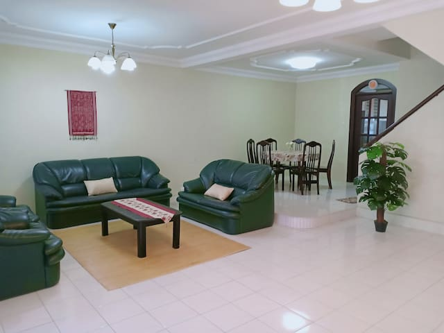 Strategically located Stampin Timur 2-storey house