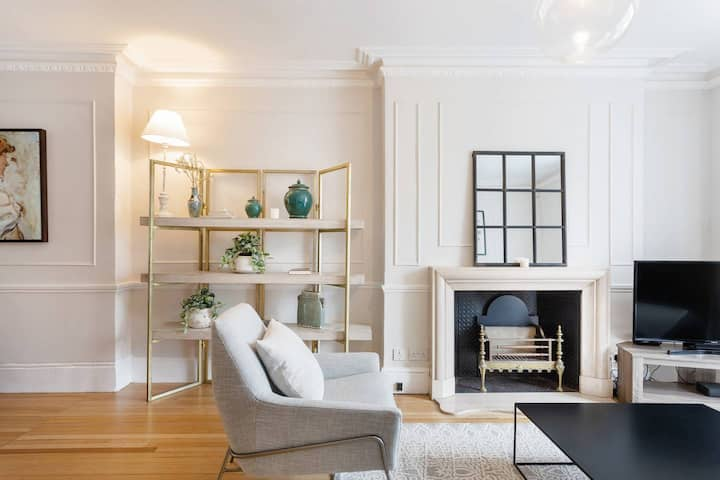 Beautiful 5BDR Home w/Garden, in South Kensington