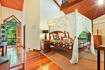 Couples Villas (Fireplace,Spa Bath) - Mount Tamborine