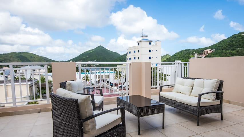 Enjoy great top floor terrace views: #4.1 - Philipsburg