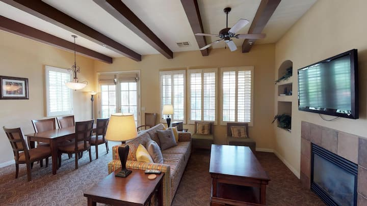 (LV215) Upstairs Two Bedroom Overlooking the Main Pool Area