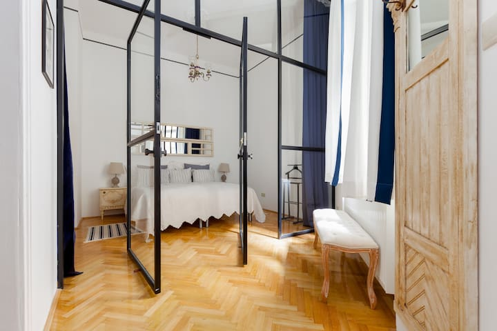 Love nest in a quiet street under the Buda castle - Budapest - Apartment