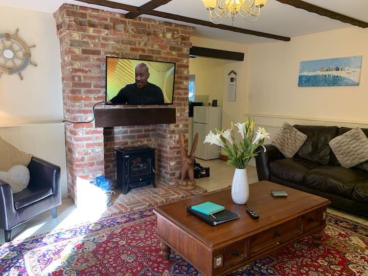 Beautiful Cottage close to Shanklin Old Village
