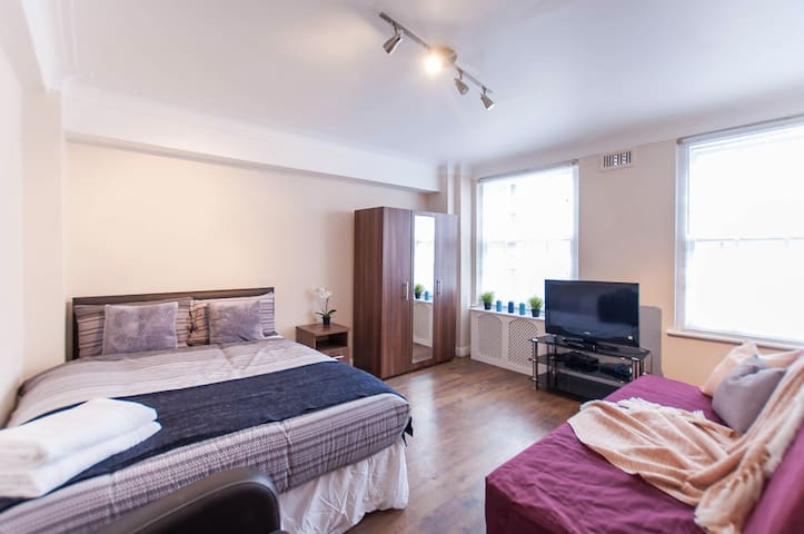 Studio flat to Marble Arch