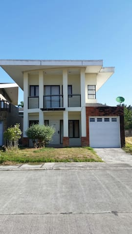 Elegant Villa 206 near Clark (inside enclave subd)