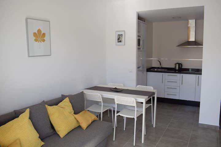 ¡Fantástico apartamento junto a la playa!