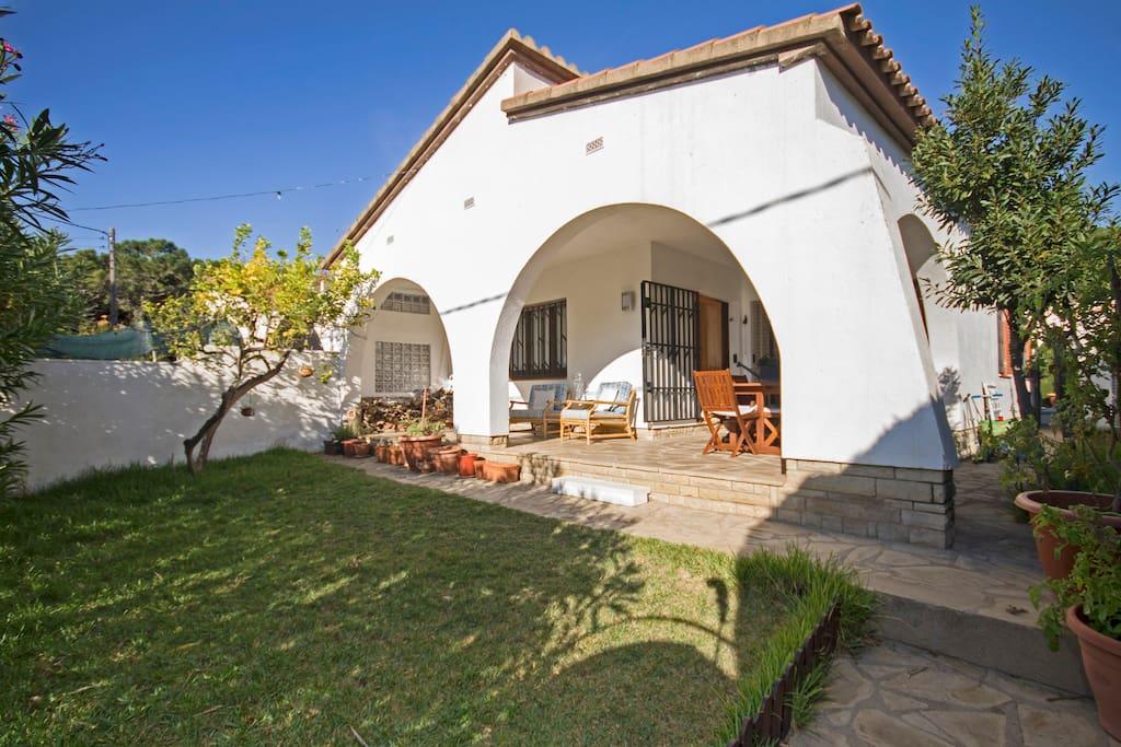 Casa del mar con piscina privada y barbacoa casas en for Alquiler de casas con piscina privada