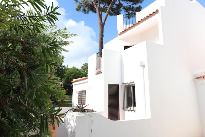 3 bedroom semi detached villa in Vale Do Lobo