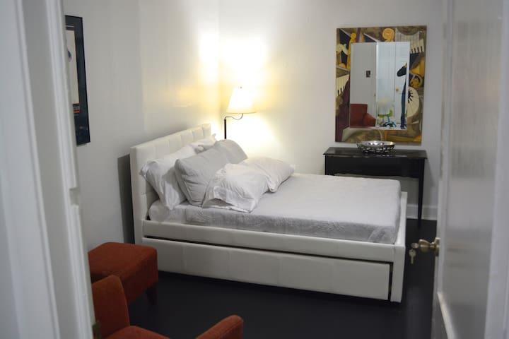 Mid-City Studio Apartment in NOLA Boxing Mecca!