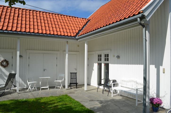 Entrance and outdoor area