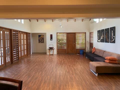 Private villa next to Hilton Sheraton Sofitel, pool, coconut tree