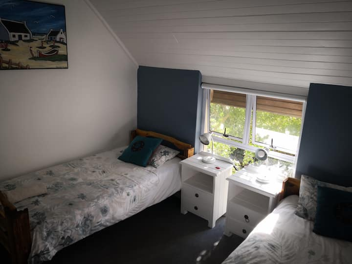 Hermanus Backpackers - Private twin room