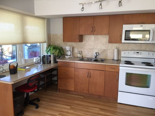 Come Stay in the Heart of Wine Country! Lake View